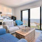 Apartmán u moře: Záplava modré zvenku i zevnitř navodí dovolenkovou atmosféru 7
