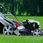 Sekání a péče o trávník 3