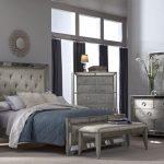Přidejte vašemu bydlení trochu lesku. S trendem zrcadlového nábytku to půjde snadno! 6