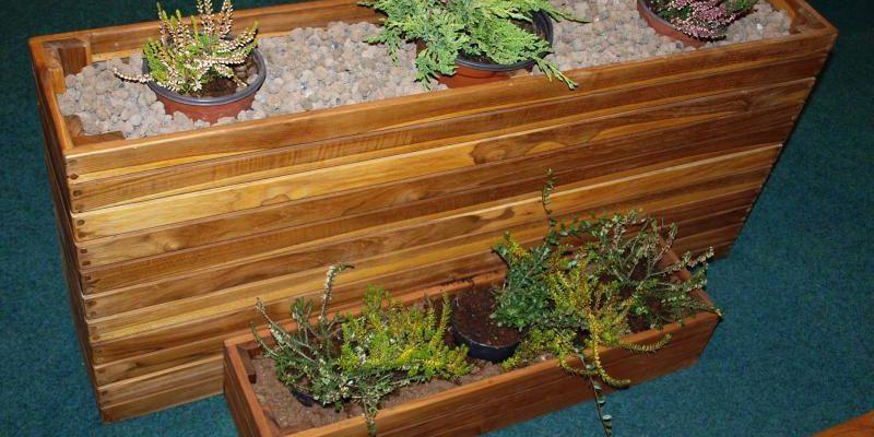 Zahradní květináče ze dřeva 1
