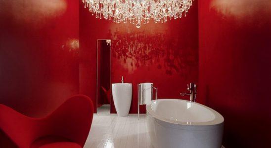 Ladné křivky v koupelně: lahodí romantikům a zasněným duším 9