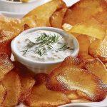 Domácí chipsy se sýrovým dipem 7