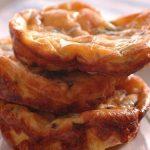 Nadýchané vaječné omeletky se slaninou 7