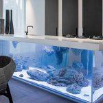 Kuchyňský pult jako obrovské akvárium 12