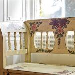 Designový nábytek s folklorními motivy 7
