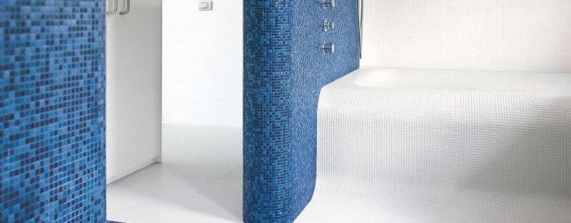 Mozaika vkoupelně působí luxusně a nadčasově! 2